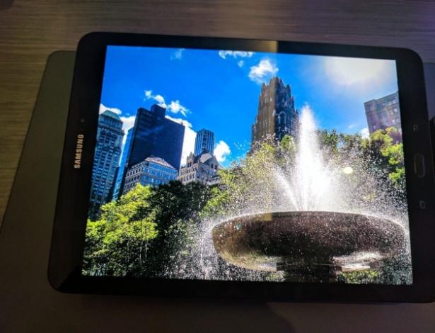 Será customizável? Galaxy S8 deve permitir reordenar os botões virtuais do Android