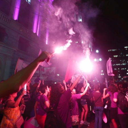 08.mar.2017 - Marchas feministas no centro de São Paulo no ano passado - Adriano Vizoni/Folhapress