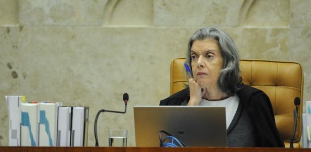A presidente do STF, ministra Cármen Lúcia, em sessão no dia 18