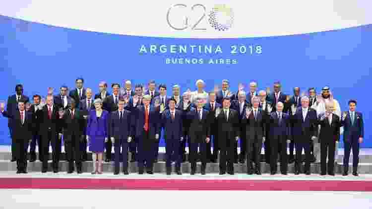 """Mohammed bin Salman foi fotografado na beirada do tradicional """"retrato de família"""" do G20 - Alexander NEMENOV / AFP"""