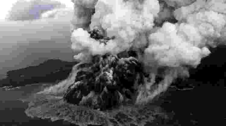 Anak Krakatau em 23 de dezembro de 2018 - Reuters - Reuters