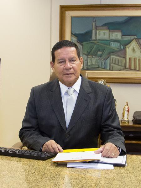 Com viagem de Bolsonaro a Davos, o general Hamilton Mourão assumiu o exercício da Presidência da República - Romério Cunha/VPR
