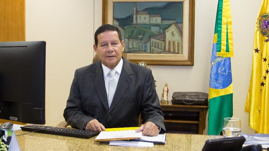 """Mourão diz que Bolsonaro vai mostrar em Davos que não é """"Átila, o Huno"""""""
