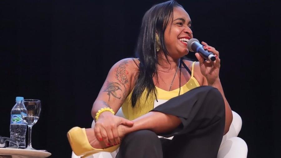 Professora de escola da periferia de Belém do Pará foi escolhida a melhor do Brasil por projeto que ressalta papel do negro na sociedade - Rodrigo Ono/BBC News Brasil