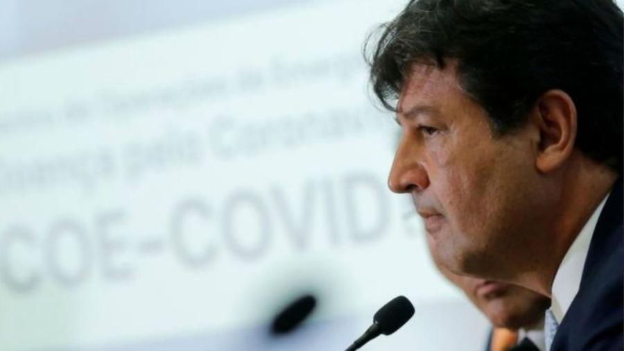 """Ministro da Saúde, Luiz Henrique Mandetta, disse que OMS """"já deveria"""" ter declarado uma pandemia - Reuters"""