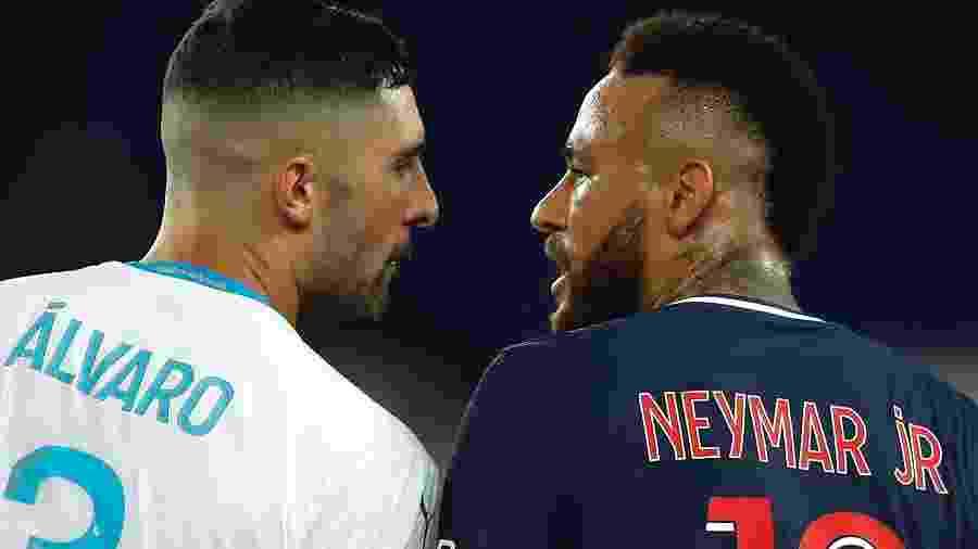 Neymar discute com Alvaro Gonzalez durante partida do PSG contra o Olympique Marselha pelo Campeonato Francês -