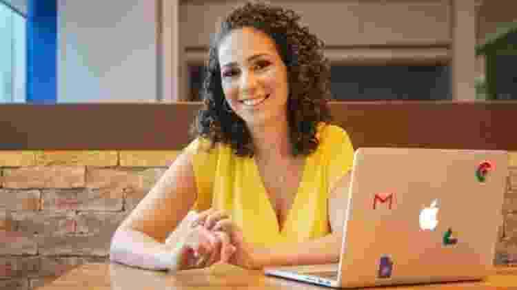 A consultora de finanças pessoais para mulheres Evelin Bonfim diz que o cashback gera uma sensação de recompensa que exige atenção - Arquivo pessoal - Arquivo pessoal