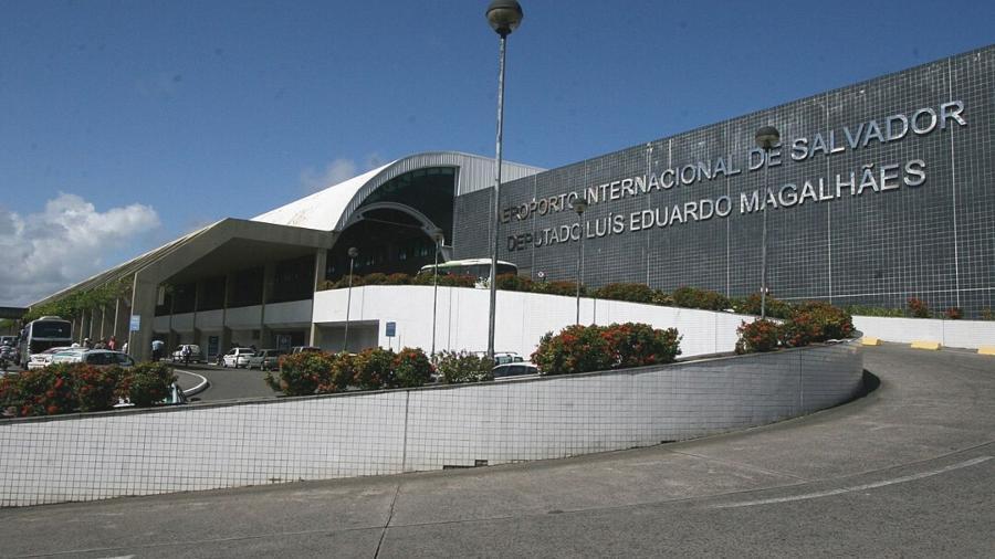 Um avião da Azul Linhas Aéreas que estava a caminho da cidade de São Paulo precisou pousar no aeroporto de Salvador - Wikimedia Commons