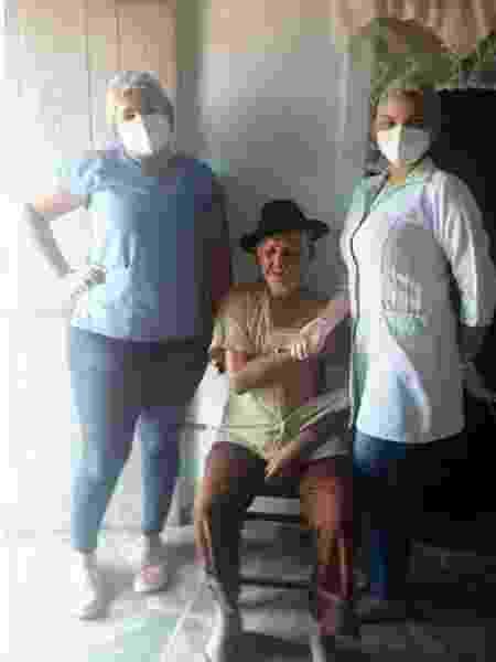 Idoso de 102 anos foi vacinado após esforço da equipe de saúde - Arquivo pessoal - Arquivo pessoal