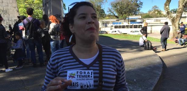 """""""Não é 'Volta, Dilma'"""", diz manifestante em Curitiba - Rafael Moro/UOL"""