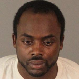 Bobbly Joe Washington é acusado de roubar dois carros
