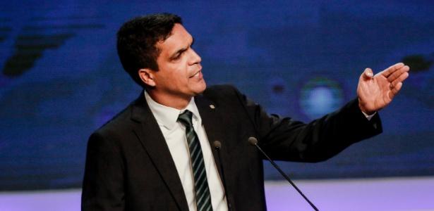 9.ago.2018 - Cabo Daciolo (Patriota) durante o debate da TV Bandeirantes