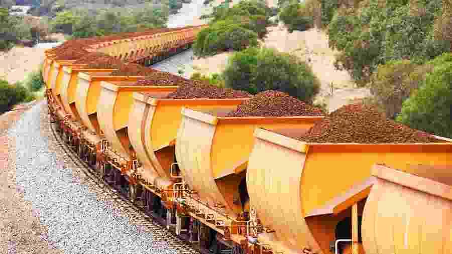 Trem carregado com minério de ferro - Getty Images/iStockphoto