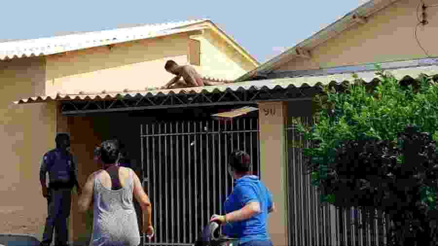 Ladrão fica preso em telhado de casa ao tentar fugir - Acervo Pessoal