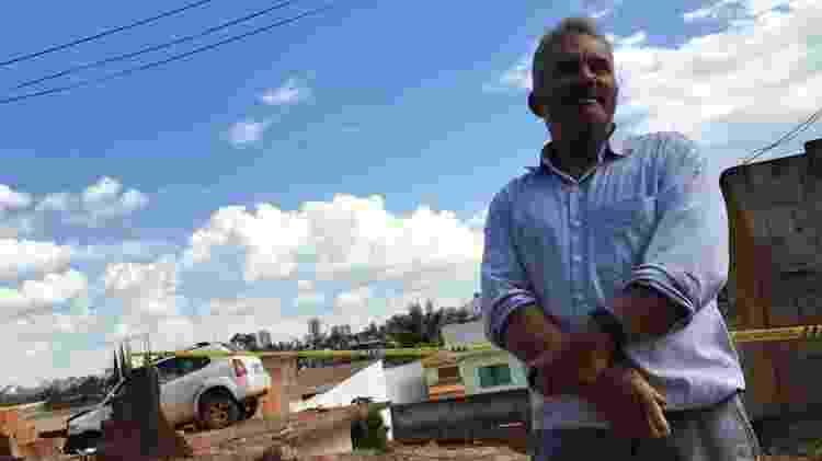 O aposentado Lucas Marcelino é dono das duas casas - Jessica Nascimento/UOL
