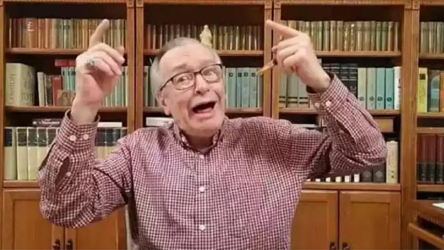 Olavo de Carvalho histriônico - Reprodução/Youtube