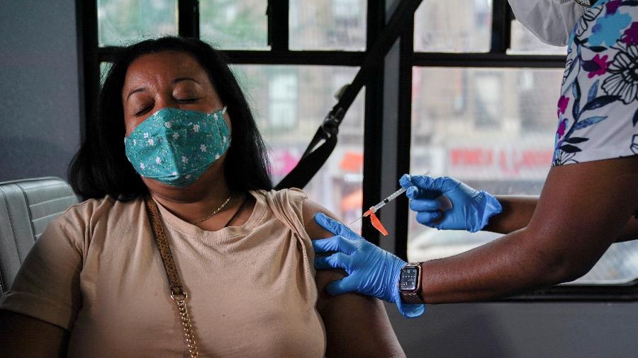 Em nota, estado também lembrou aos diplomatas que NY exige o uso de máscara no transporte público - David Delgado/Reuters