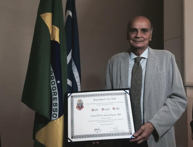 O médico e escritor Drauzio Varella foi premiado nessa quarta (9), na USP, por sua atuação em defesa dos direitos humanos