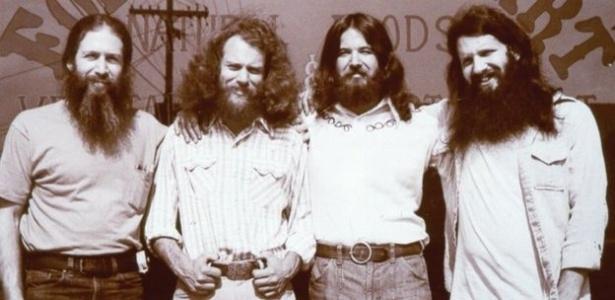 Bob Goldberg (à esq.) e seus três amigos fundaram a loja inicial de produtos veganos