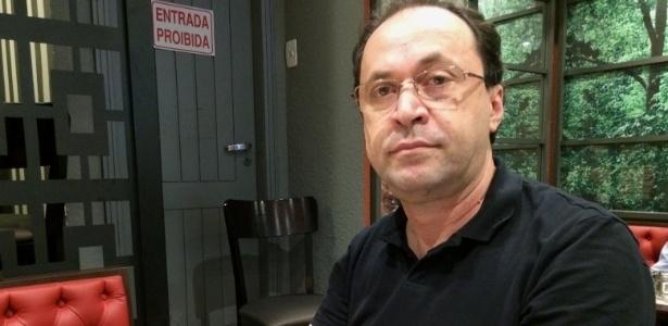8.mai.2017 - O funcionário público Carlos Lima, de Curitiba