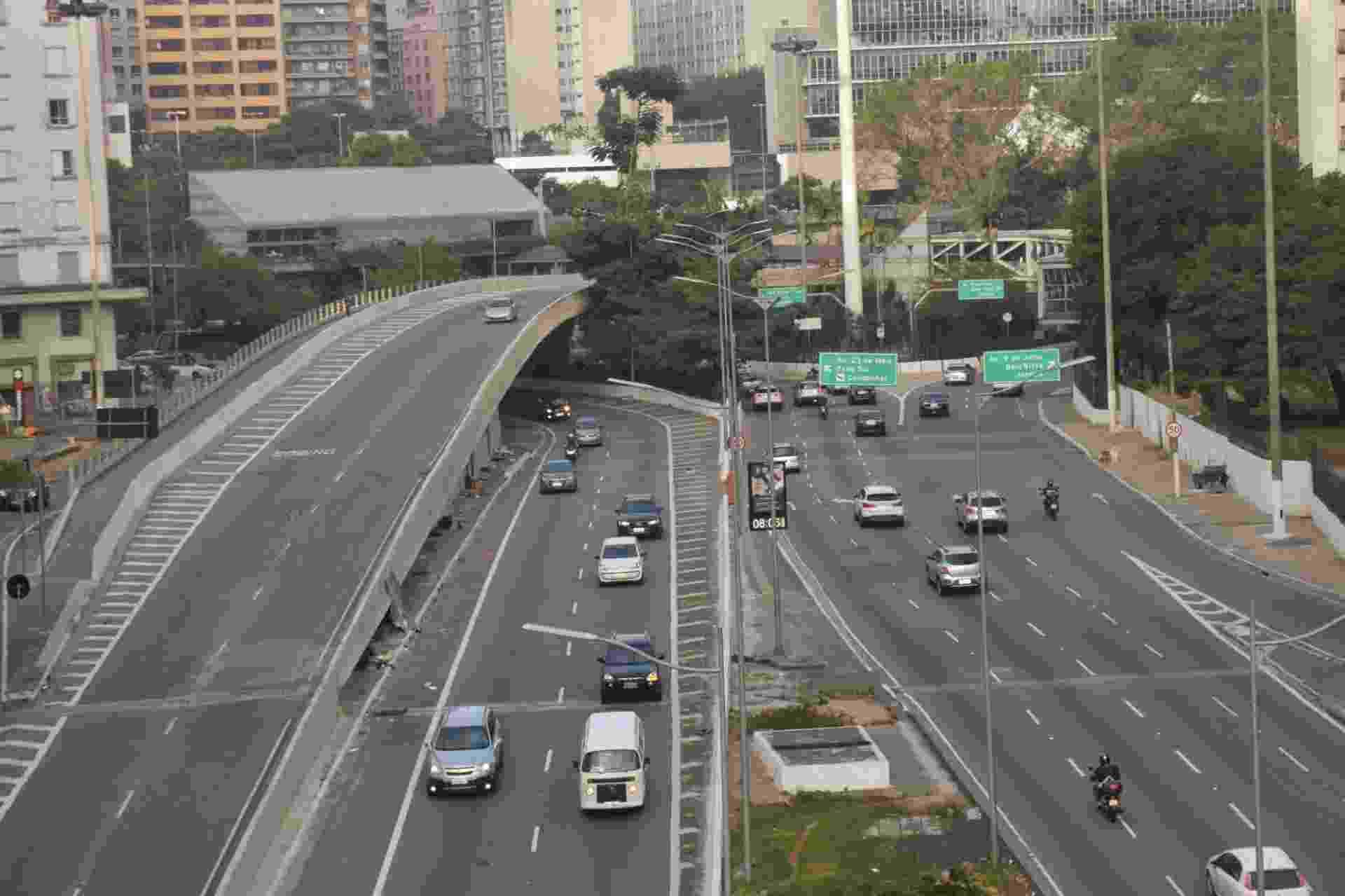 Na manha desta terça feira (29), em São Paulo, trânsito tranquilo em vias que normalmente tem trânsito intenso São Paulo - Roberto Casimiro/Fotoarena/Estadão Conteúdo