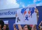 Ato contra morte de cão faz Carrefour Osasco fechar as portas - GUILHERME RODRIGUES/FUTURA PRESS/FUTURA PRESS/ESTADÃO CONTEÚDO