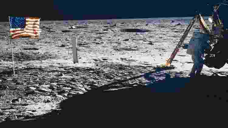 Armstrong (na foto) e Aldrin se preparavam para deixar a Lua quando a Luna 15 se chocou com o solo a centenas de quilômetros dali - Getty Images/BBC - Getty Images/BBC