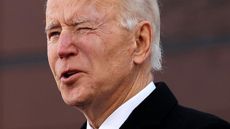 """Biden afirmou que não """"vai começar o governo quebrando uma promessa ao povo americano"""" - Chip Somodevilla/Getty Images/AFP"""
