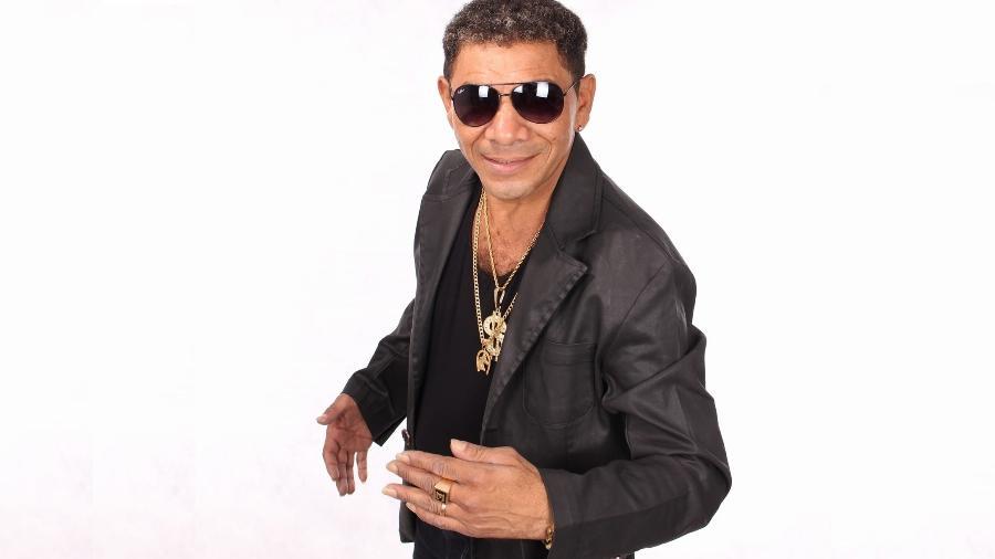 Após vencer uma loteria, Edésio mudou de nome artístico e apostou pesado na carreira de cantor; no 2º prêmio, o objetivo não mudou - Divulgação