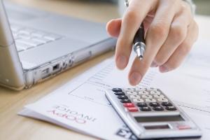 Caixa tenta impulsionar consignado com garantia do FGTS (Foto: Shutterstock)