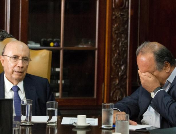 9.jan.2017 - Ministro da Fazenda, Henrique Meirelles (à esquerda), em reunião com o governador do RJ, Luiz Fernando Pezão (PMDB)