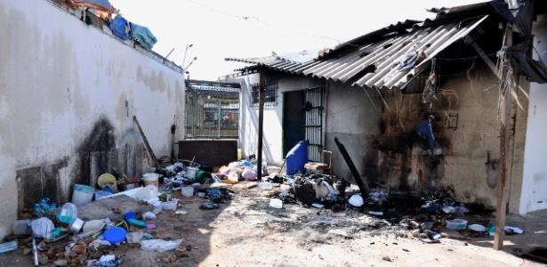 Prisão ficou destruída após rebelião do dia 1º em Aparecida de Goiânia