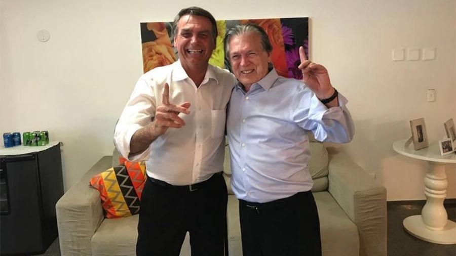 Jair Bolsonaro e o presidente do PSL, Luciano Bivar - Divulgação/PSL