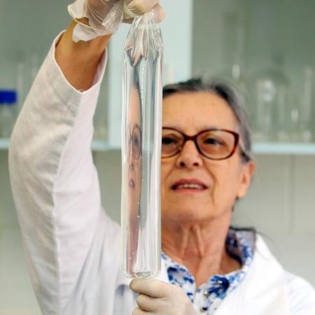 Bioplástico é produzido a partir de amido e gelatina - Pedro Amatuzzi/Agência de Inovação Unicamp/Divulgação