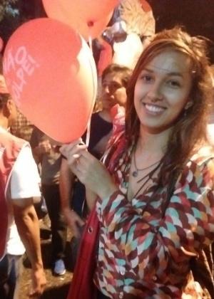"""A estudante Isadora Schutte, na Paulista: """"Nunca deixarei de expressar minhas convicções políticas"""""""
