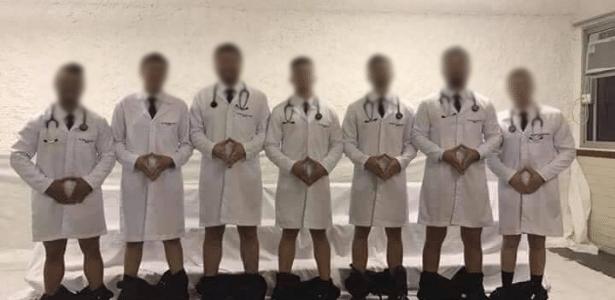 Foto de médicos gerou revolta nas redes sociais