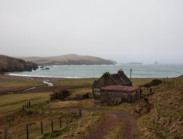 6.abr.2017 - Enseada próxima a Braewick, em Shetland Islands, na Escócia