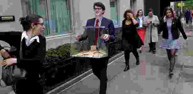 No sábado, o consulado francês em Nova York foi evacuado por ameaça de bomba - Andrew Kelly/Reuters - Andrew Kelly/Reuters