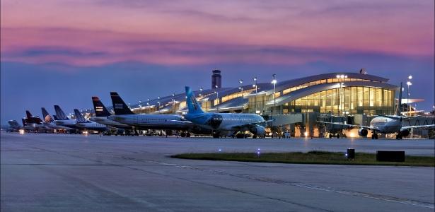 O aeroporto Raleigh-Durham recebeu mais de 11 milhões de passageiros em 2016