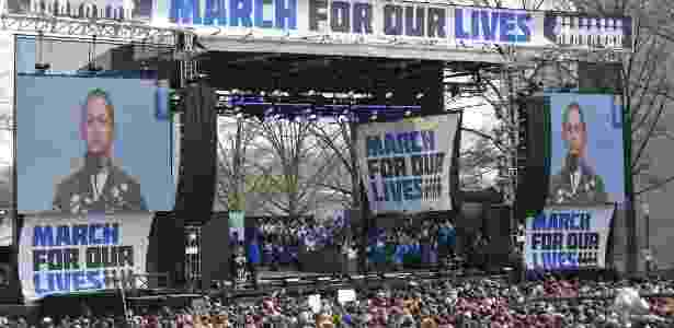 """24.mar.2018 - Emma González faz longa pausa durante seu discurso na """"marcha pelas nossas vidas"""" em Washington, EUA - Mandel Ngan/AFP - Mandel Ngan/AFP"""