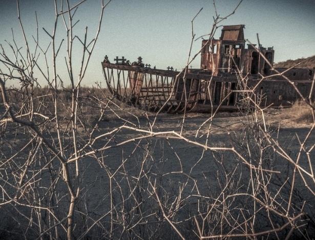 Moynaq, que chegou a ser o principal porto pesqueiro uzbeque no Aral, se transformou em um cemitério de barcos