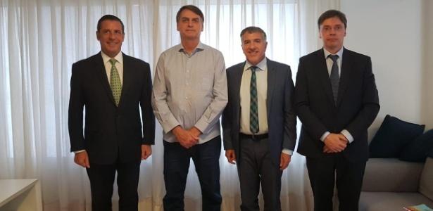 Jair Bolsonaro recebe embaixador da Argentina, Carlos Magariños (1º, da esq. para dir.)