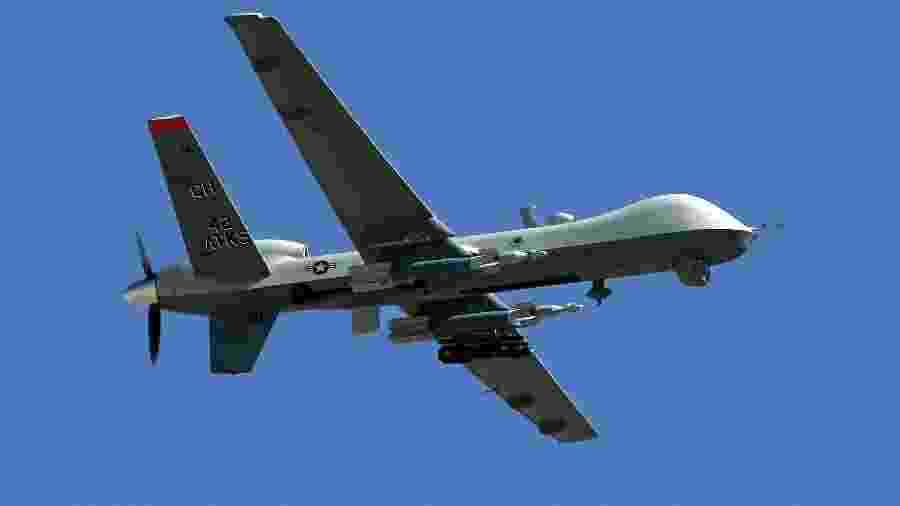 O drone MQ-9 sobrevoa a base aérea em Nevada, nos Estados Unidos. - AFP