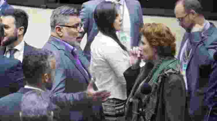 Frota e Carla Zambelli discutem no plenário no dia 07 de agosto: no dia anterior, Zambelli apresentou a representação contra ele - Agência Câmara