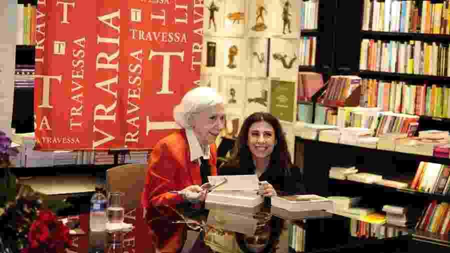 9.out.2019 - Fernanda Montenegro e a filha dela Fernanda Torres no lançamento de seu livro em shopping do Leblon - Agência Brazil News