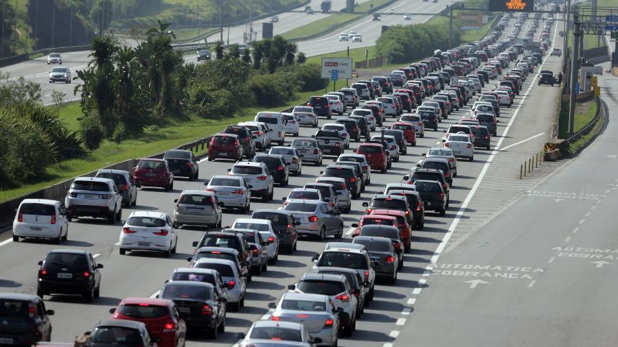 Trânsito na Rodovia dos Imigrantes, São Paulo - Nilton Fukuda/Estadão Conteúdo