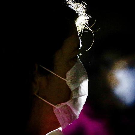 31.jan.2020 - Após alerta da OMS, medo diante do coronavírus faz com que a população da China procure proteção - Aloisio Mauricio/Estadão Conteúdo