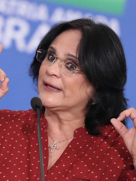 15.mai.2020 - Damares Alves, ministra da Mulher, Família e Direitos Humanos, durante cerimônia no Palácio do Planalto, em Brasília - GABRIELA BILó/ESTADÃO CONTEÚDO