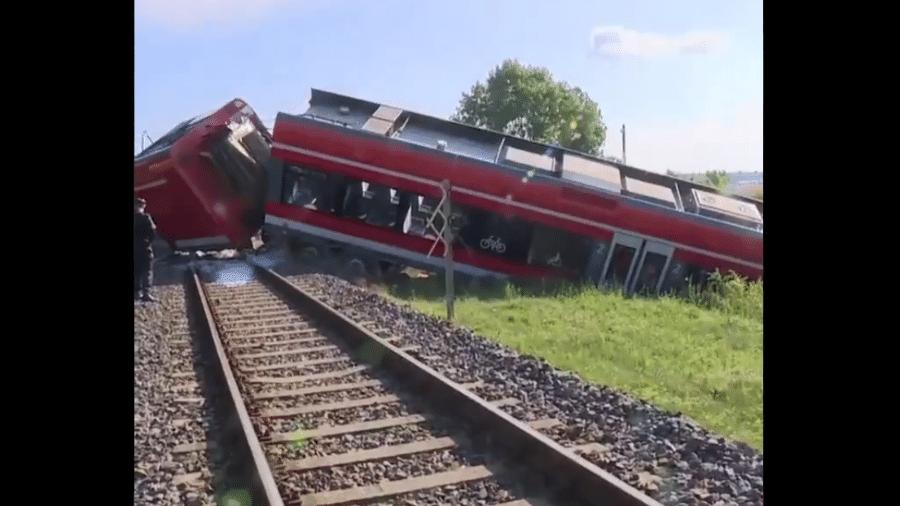 Trem saindo da Polônia rumo a Berlim, na Alemanha, descarrilou - Reprodução/SkyNews