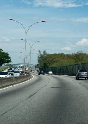 Trecho da Linha Vermelha no Rio de Janeiro